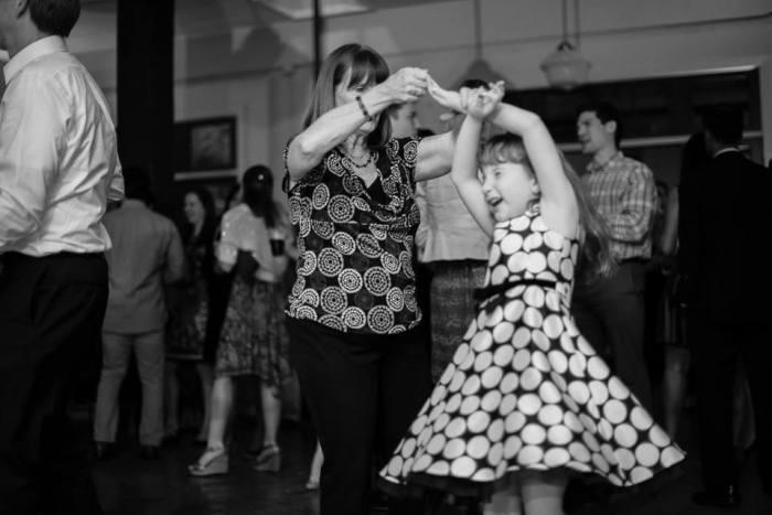 mother-grandchild-wedding-mars-varela-photographer